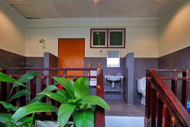 Private room Bathroom - NLS