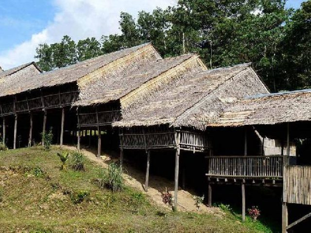 kudat-rungus-longhouse-tip-of-borneo-experience-2